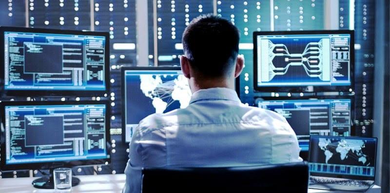 Задачи, которые решает специалист в области информационной безопасности