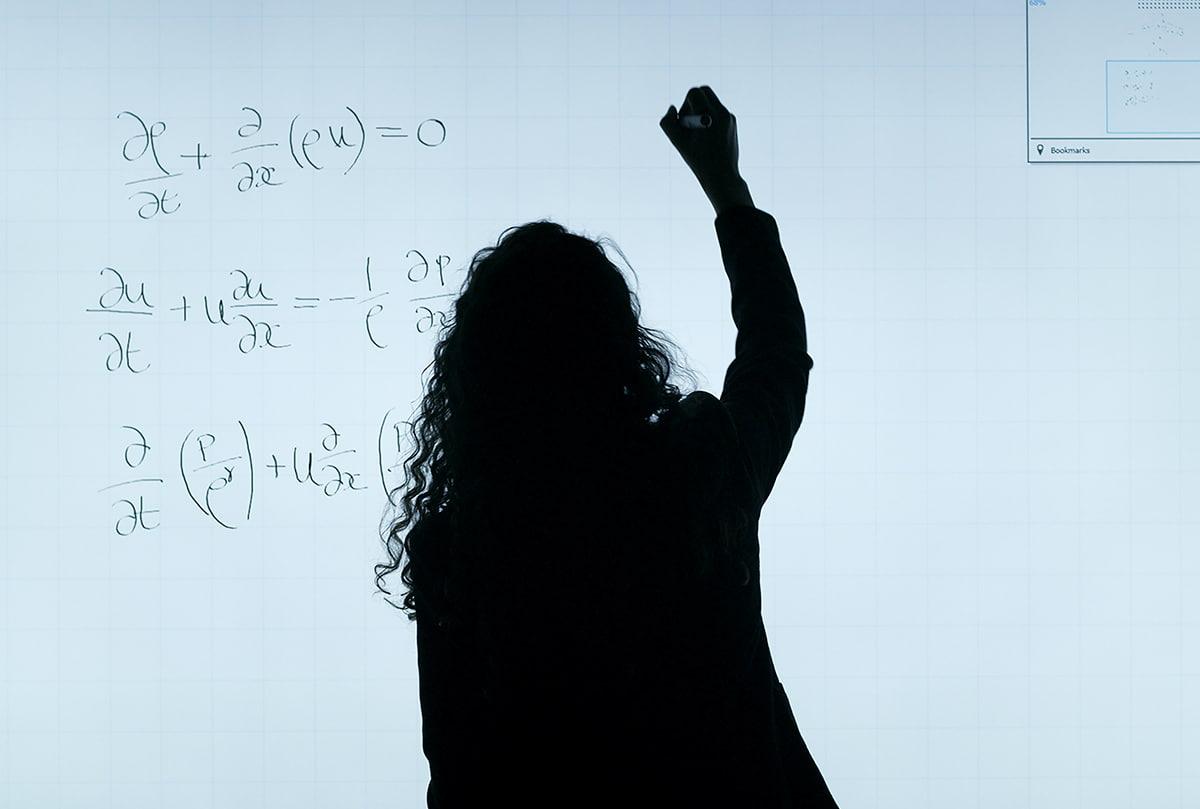 Топ курсов по математике для анализа данных