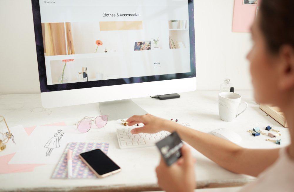 Курс «Основы e-commerce. Как создать успешный интернет-магазин» от Специалист.ru